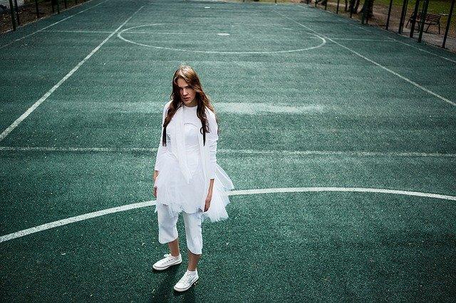 tennis-court-2385378_640